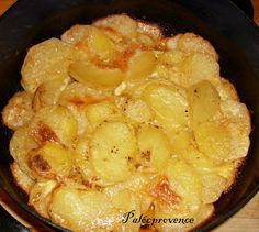 Palócprovence: Tejszínben sült krumpli Potato Recipes, Snack Recipes, Snacks, Main Dishes, Side Dishes, Vegan Recepies, Eat Pray Love, Hungarian Recipes, Diy Food
