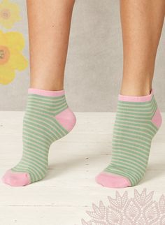 Our best selling super duper Bamboo socks - your feet will thank you.  Designed to let your feet breathe and relax. Bamboo has strong anti-bacterial and anti-fungal properties to help keep your feet healthy and hygienic.   Fabric 75% bamboo 17% organic cotton 8% spandex