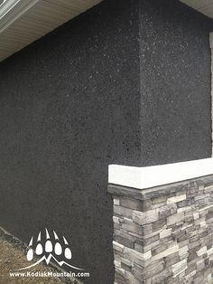 Beautiful new home being built in Cardston Alberta Canada. This project used our Frontier Ledge in a our popular Glacier color, with Masterwall's Black Lumia acrylic stucco. Check out our complete line up at www.KodiakMountain.com