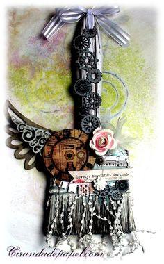Altered Art: Задание #22. Альтер-кисточка.