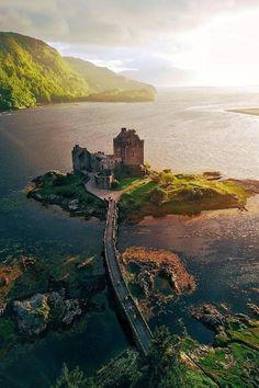 Voice of Nature Scotland Castles, Scottish Castles, Scotland Travel, Ireland Travel, Beautiful Castles, Beautiful Places, Places To Travel, Places To See, Chateau Medieval
