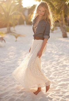 Lace maxi skirt and denim top. Look Fashion, Street Fashion, Fashion Models, Fashion Beauty, Womens Fashion, Beach Fashion, Fashion Hair, Street Chic, Skirt Fashion