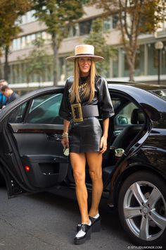 New post on http://www.styledumonde.com/ with @anna_dello_russo after #Balenciaga #ss14 #fashionshow at #parisfashionweek ... #style #streetlook #spring14 #streetstyle #streetfashion #fashioneditor #stylist #annadellorusso #France #styledumonde #pfwss14 #pfw #paris #Lanvin #picoftheday #weloveit #bestoftheday #celine #fashion #look #adr #flatforms #strawhat #belt #leatherdress