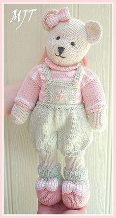 modèle doudou au tricot gratuit | POUPEES | Teddy bear knitting pattern, Knitting patterns et ...
