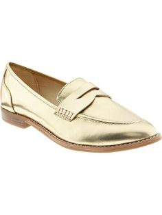 The penny loafer gets a little update in this metallic gold style from Old Navy! (PLUS it's under $35!)