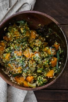 A delightful grain bowl featuring whole oat groats tossed with roasted butternut squash and fennel along with homemade pesto. Vegetable Recipes, Vegetarian Recipes, Healthy Recipes, Healthy Cooking, Healthy Eating, Oat Groats, Fennel Recipes, Homemade Pesto, Eat Seasonal