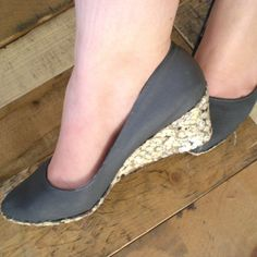 bibliophile's party shoes 6 Easy DIY Shoe Makeover Projects