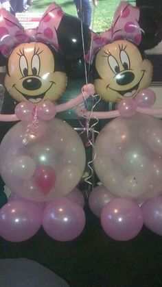 Christmas Festive Fun balloon creations at www.bellissimoballoons.co.uk Clown Balloons, Minnie Mouse Balloons, Minnie Mouse Party, Birthday Balloons, Balloon Stands, Balloon Arch, Minnie Mouse Birthday Decorations, Balloons Galore, Balloons And More