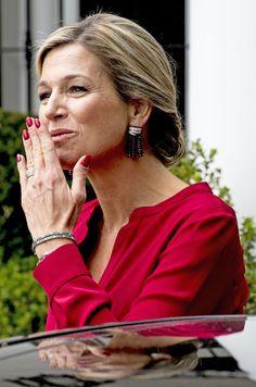 Dans le cadre de sa mission de deux jours en Argentine pour l'ONU, la reine Maxima des Pays-Bas a rencontré le président Mauricio Macri, sa femme et l...