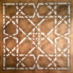 Elaborate interlace---Instagram photo by @azizaesque via ink361.com Wood Artwork, Wood Wall Art, Arabesque, Islamic Patterns, Geometric Shapes, Geometric Patterns, Turkish Art, Fabric Rug, Moroccan Design