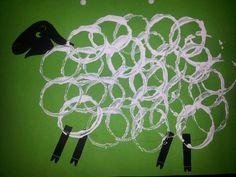 Tapa álbum escolar oveja. Dibujar una oveja con niños.