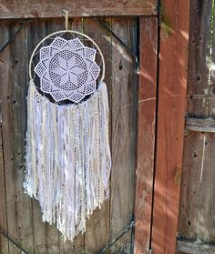 14 inch Dreamcatcher, White and Cream,  Dreamcatcher,Vintage Doily dreamcatcher, Wall art, Wallhanging, Yarn art - pinned by pin4etsy.com