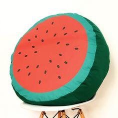 Cojines de suelo y pufs - LOCOMÍA watermelon puff - hecho a mano por PEGATA en DaWanda