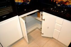 Mobila de Bucatarie din MDF Vopsit Ral 9003 Alb Lucios cu interior MDF Corp de Colt Interior, Kitchen, Closet, Home Decor, Indoor, Cuisine, Homemade Home Decor, Design Interiors, Home Kitchens