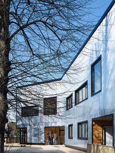 Graveney School Sixth Form Block   Urban Projects Bureau; Photo: Kilian O'Sullivan   Archinect