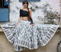 Western Style Black & White Navratri Lehenga with Off Shoulder Choli. This beautiful chaniya choli has off shoulder choli. It is wrapped around one arm. Creates a western vibe in festive days! Indian Skirt, Indian Dresses, Indian Attire, Indian Ethnic Wear, Choli Designs, Blouse Designs, Indian Wedding Outfits, Indian Outfits, Chania Choli