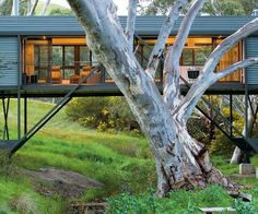 Bridge House by Australian architect Max Pritchard bridges the gap between innovation and architecture. Is it a house? This cool, modern Architecture Design, Beautiful Architecture, The Plan, Narrow House, Micro House, Tiny House, Kit Homes, Sustainable Design, Prefab