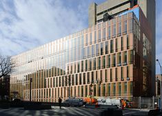 barnard college weiss manfredi - Google Search Factory Architecture, Parametric Architecture, Facade Architecture, Residential Architecture, Amazing Architecture, Contemporary Architecture, Glass Building, Building Facade, Building Design