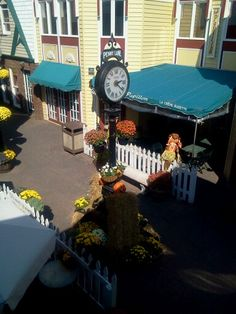 nice sunny day in October on Penny Lane in Rehoboth Beach