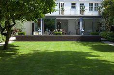A calm garden for a London family by garden designer Declan Buckley Summer Garden, Home And Garden, Contemporary Garden Design, Garden Architecture, Modern Architecture, Minimalist Garden, Private Garden, Garden Inspiration, Garden Ideas