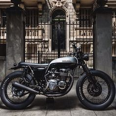 This. Honda custom scrambler. I want. Looks like a great size for me too.