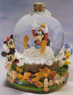 Disney Pluto's Bath Day Snowglobe