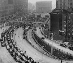 Photo Date: 05/25/1950 Photographer: Waters, Ray Caption: Cars lined up for first official trip through Brooklyn-Battery Tunnel. Copyright 1999 by Daily News LP. For more photographs visit www.dailynewspix.com. Credit: New York Daily News photographer Country: USA Location: Manhattan, NY