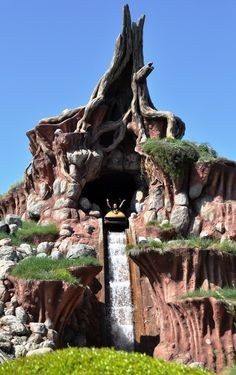Day #29 Favorite Theme Park Attraction-Splash Mountain