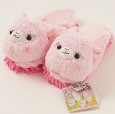 Alpacasso Plushie Cleaning Slippers - the most adorable thing ever! My floor would be sooo clean, cause I'd wear them every day