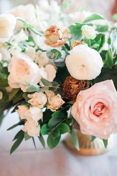 Classic Southern Wedding - White & Neutral / Southern Bride / Earth-toned Flowers / Mooresville Wedding / Garden Florals - Photography by Sleepy Fox Photography, Flowers by Old Frond Floral Co.