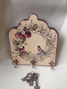 Decoupage Tutorial, Decoupage Art, Diy And Crafts, Arts And Crafts, Annie Sloan Paints, Vintage Walls, Fabric Crafts, Craft Projects, Wood Signs