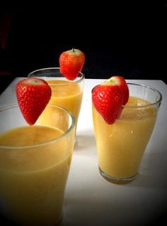 Koktajl mango,banan, imbir - Anna Lewandowska - healthy plan by Ann Healthy Diet Recipes, Mango, Fruit Smoothies, Lemonade, Cocktails, Pudding, Cooking, Ethnic Recipes, Tasty Food Recipes