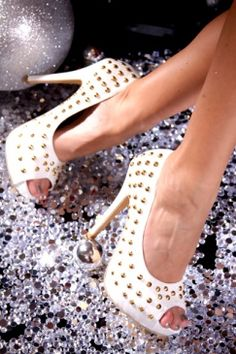 White Faux Suede Pointed Studs Peep Toes Pump Platform…