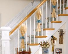 Staircase Decoration Ideas Fall decor from Country Sampler Magazine.Fall decor from Country Sampler Magazine. Staircase Wall Decor, Stairway Decorating, Stair Decor, Decorating Your Home, Fall Decorating, Staircase Makeover, Fall Home Decor, Autumn Home, Thanksgiving Decorations