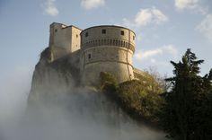 San Leo A.D. 1469 – Entra nella storia insieme a noi. Visita guidata alla fortezza di San Leo con personaggi in costumi d'epoca il 25 e 26 maggio 2013.