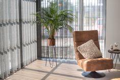 #interieur #gordijnen #inbetween #advies #woonkamer #waveplooi Inspireren, Room, Furniture, Home Decor, Bedroom, Decoration Home, Room Decor, Rooms, Home Furnishings