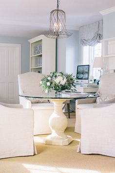 Soft & pretty dining area | Photography by Corbin Gurkin / corbingurkin.com/ http://zerogeorge.com/ | Style Me Pretty Living