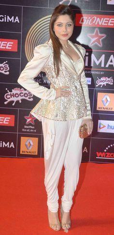 Kanika Kapoor at GiMA 2015 Awards.