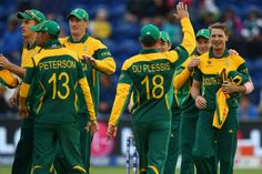 You will be eager to know who will win 2015 ICC world cup, won't you? Well there are 5 cricketing nations who can win cricket world cup next year at MCG. Champions Trophy, Latest Business News, Cricket World Cup, Who Will Win, Financial News, What's Trending, South Africa, How To Wear, Tops