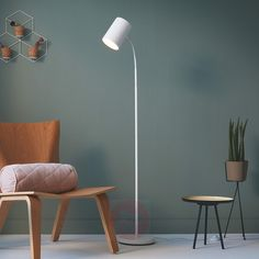 Skandi style in combination with the most beautiful light and functional details & perfect for relaxing in your favorite spot. Source by lampenweltde The post Philips Himroo floor lamp with adjustable head appeared first on The most beatiful home designs. Modern Floor Lamps, Philips, Beautiful Lights, Home Accessories, Sweet Home, Flooring, Living Room, Interior Design, Decoration