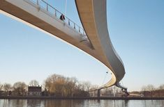 This cycle and pedestrian bridge is the longest in the Netherlands, spanning the Rijn Kanaal in the IJburg district of Amsterdam. Amsterdam, Santiago Calatrava, Zaha Hadid, Landscape Architecture, Landscape Design, Landscape Photos, Landscape Photography, Pedestrian Bridge, Arch Bridge