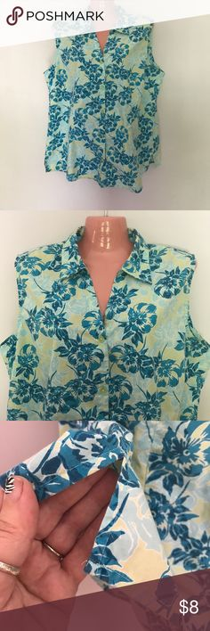 Women's XL Sleeveless 🌺Hawaiian🌺 Summer Top Adorable sleeveless summer Hawaiian shirt by Basic Editions. Still lots of wear left!  Good condition🌴 It will keep you nice and cool in the summer heat. Size XL. Basic Editions Tops Tank Tops