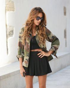 Cette veste est tellement belle, elle est vraiment parfaite! Je rêve d'un trouvée une similaire