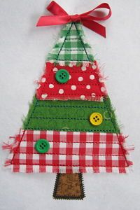 Cute tree applique raw-edge for Christmas