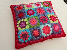 I need to crochet pillows like this.  This one found here: http://colourinasimplelife.blogspot.com/2012/01/hot-cold-pillows.html