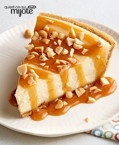 It's hard to say what we like best about this caramel apple cheesecake. Is it the caramel apple thing—or that we can make it in just three simple steps? Caramel Apple Crisp, Caramel Apples, Caramel Apple Cheesecake, Cheesecake Recipes, Gateaux Cake, What To Cook, Waffles, Cooking Recipes, Click Photo