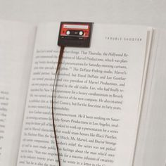 Tape bookmark. Marcapáginas cinta de música.