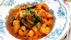 Fiskegryte med scampi og tomater Scampi, Thai Red Curry, Ethnic Recipes, Food, Meal, Eten, Meals