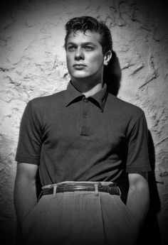 Tony Curtis...just wow.
