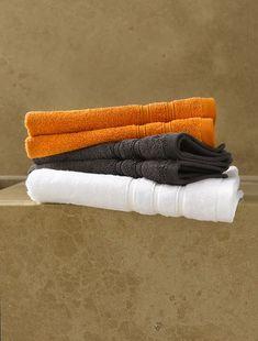 Bath photography orange 67 ideas for 2019 Orange Bathroom Accessories, Best Bathroom Colors, Bath Photography, Contemporary Shower, Grey Interior Design, Bathroom Vanity Makeover, Orange Bathrooms, Pink Tiles, Room Color Schemes